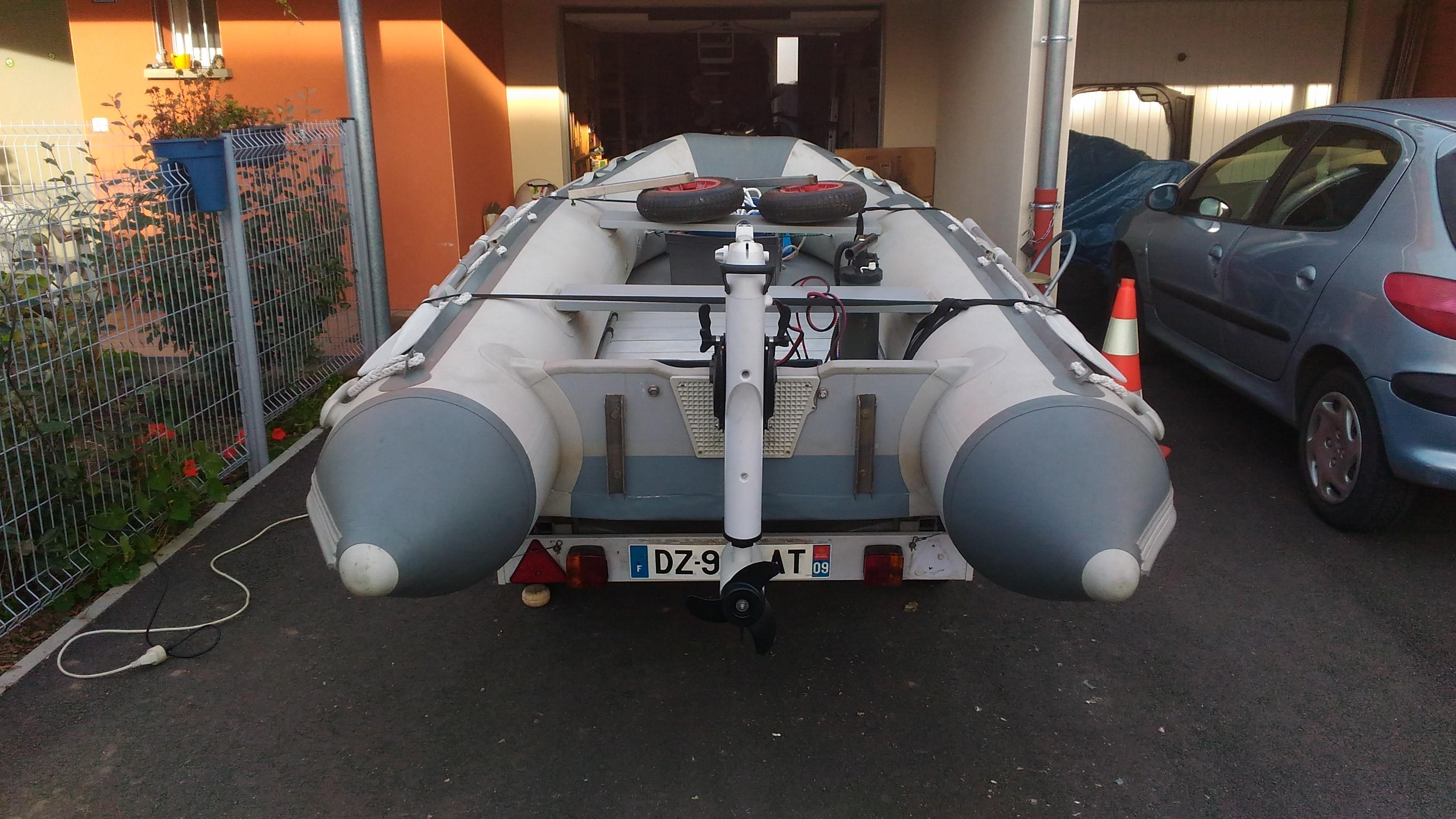 Bateau pneumatique planché aluminium