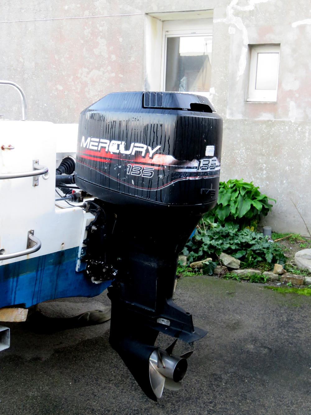Coque open Kurunig 6.3m moteur Mercury 135cv 2t