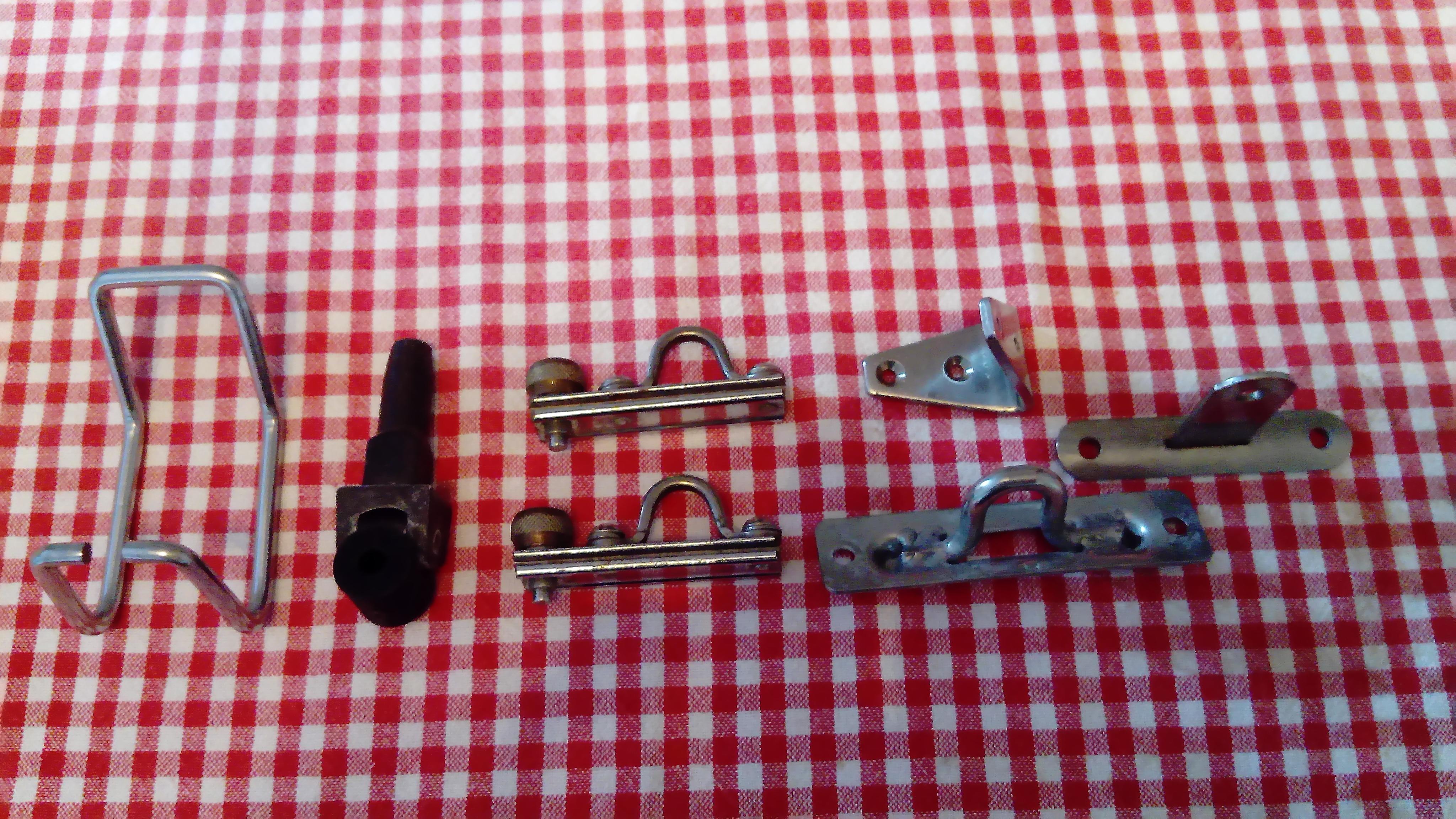 Diverses ferrures inox + 2 coulisseaux à pistons 19 mm rail en U Ronstan