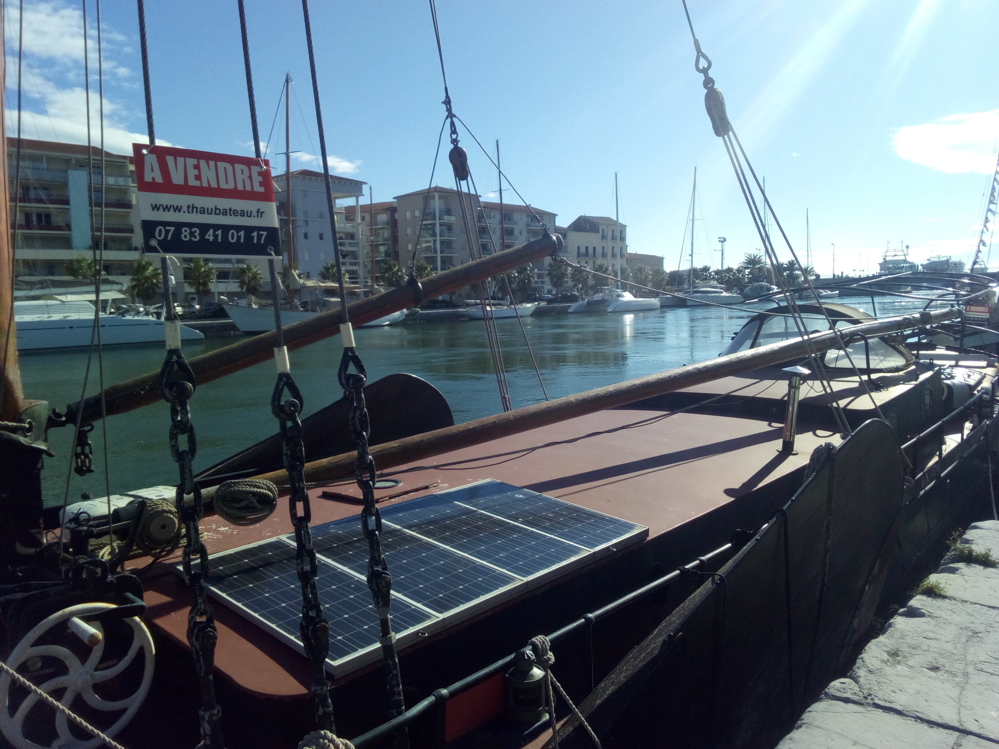 Péniche Tjalk à voile – Appartement atypique à Sète