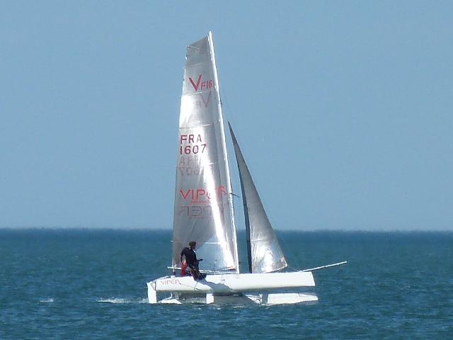 Catamaran viper F16 ahpc